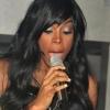 Kelly Rowland megmutatta melleit