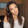 Kendall Jenner kés alá feküdt?