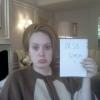 Adele kés alá fekszik