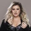 Két új dallal tért vissza Kelly Clarkson