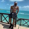 Kiderült, milyen illata van Drake-nek: saját maga ihlette új gyertyáit