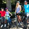 Kilenc együtt töltött év és két gyerek után Lance Armstrong eljegyezte a kedvesét
