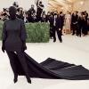 Kim Kardashian bevallotta, gyakorlatilag alig látott Met-gálás öltözékében
