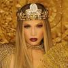 Királynőt alakít Jennifer Lopez: dal- és klippremier!