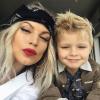Kisfiával indult tüntetni Fergie, videót posztolt róla