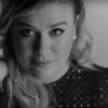 Klippremier: Kelly Clarkson - Piece By Piece