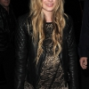 Könnyes szemekkel és libabőrösen ment férjhez Avril Lavigne