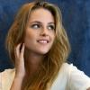 Kristen Stewart a konyhában pihen