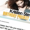 Kristennek a világ minden tájáról üzentek rajongói!