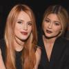 Kylie Jenner arra kéri Bella Thorne-t, hogy vigyázzon Scott Disickkel