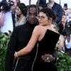 Kylie Jenner és Travis Scott tengerparti romantikázással dolgozna megrendült kapcsolatán