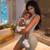 Kylie Jenner tagadja a várandósságáról szóló pletykákat