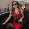 Lady Gaga buszos turnét szervez