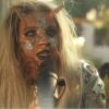 Látványos, de szörnyen bizarr videoklippel jelentkezett Bella Thorne