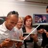 Lewis Hamiltonnak a rajongói az elsők