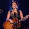 Lezajlott Demi Lovato első jótékonysági estje