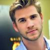 Liam Hemsworth összevert egy férfit