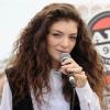 Lorde szeret meztelenkedni
