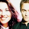 Lucy Lawless és Stuart Townsend Salembe költöznek