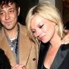 Ma mondja ki az igent Kate Moss és párja