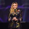 Madonna átesett a koronavíruson