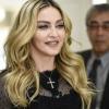 Madonna ráphotoshoppolta arcát egyik rajongója testére?