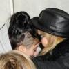 Madonna testével védte lányát