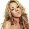 Mariah Carey mesekönyvet ír