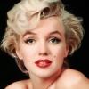 Marilyn Monroe többször is plasztikáztatott