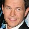 Mark Wahlberg hamburgerezőt nyit
