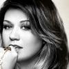 Megérkezett Kelly Clarkson legújabb dala