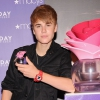 Megjelent Bieber új parfümreklámja