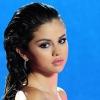 Erotikus hangulatú parfümreklámot mutatott be Selena Gomez