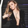 Meglepő dolgot árul Miley Cyrus a weboldalán