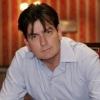 Megsérült a forgatáson Charlie Sheen