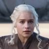 Megtörtént, amire a rajongók vártak: Emilia Clarke Daenerys-szőkére festtette a haját