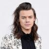 Megvált ikonikus hajától Harry Styles