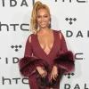 Merész dekoltázst villantott a szőkére váltott Beyoncé