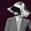 Meztelen képet osztott meg magáról Sia