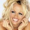 Meztelenre vetkőzve ünnepelte Pamela Anderson, hogy kigyógyult a Hepatitis C-ből