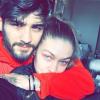 Mi történt? Zayn Malik kerekesszékkel érkezett Gigi Hadid lakására