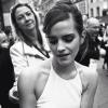 Mi van Emma Watson táskájában?