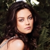 Mila Kunis rajongójával randizik