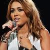 Miley Cyrus elhanyagolja a rajongóit