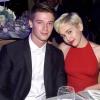 Miley Cyrus ismét facér lett