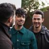 Miley Cyrus kínos kérdést tett fel a Jonas Brothers tagjainak