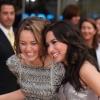 Miley Cyrus megvédte Demi Lovatót