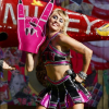 Miley Cyrus Super Bowl-előkoncertjén Billy Idollal és Joan Jett-tel lépett fel