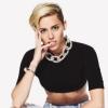 Miley Cyrus vízköpőként csulázta le rajongóit - videó