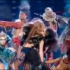 Miley Cyrus leszbi csókja